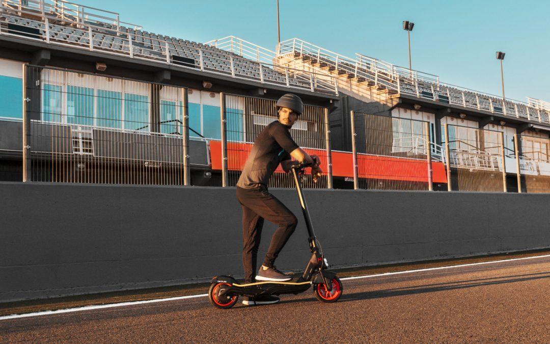 Cecotec Bongo Serie S Unlimited: nuevo patinete eléctrico con batería extraíble y velocidad máxima de 25 km/h